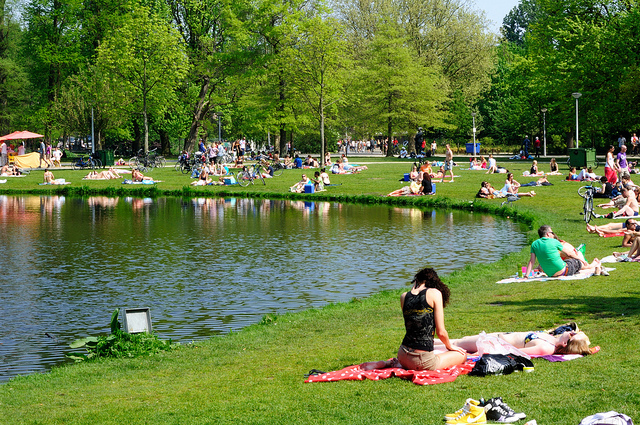 Top 10 things to do in Amsterdam:Vondelpark