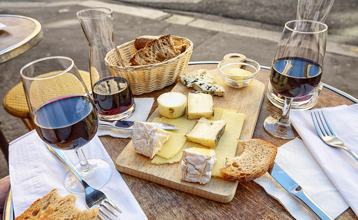 Expatica French wine and cheese guide