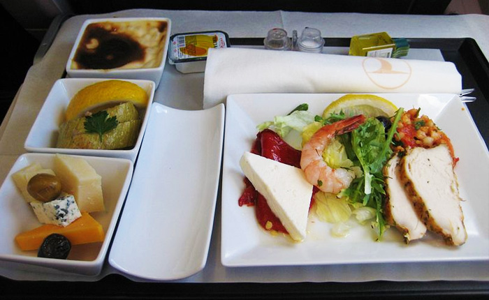 How to eat healthy in flights