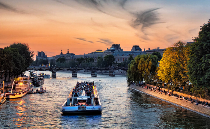 15 of the top activities to get outdoors in Paris: Boat rides in Paris