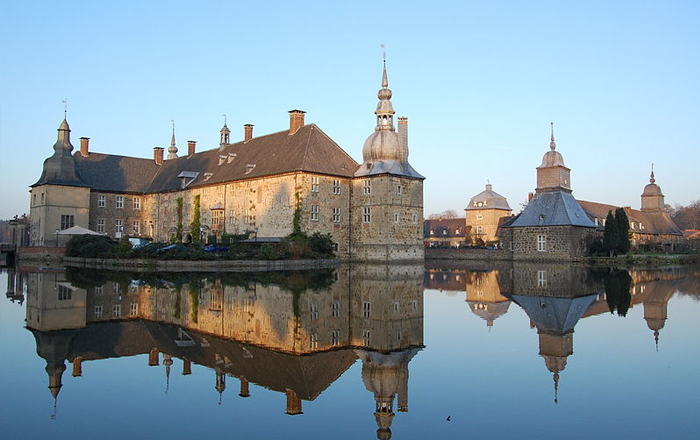 Stay in a castle: Schloss Lembeck