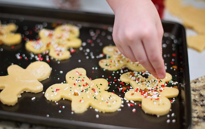 Christmas traditions in Switzerland: Cookie baking