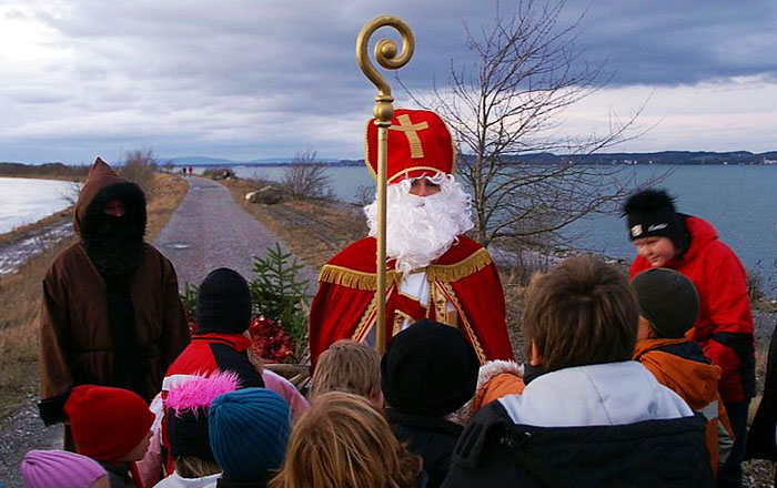 Christmas traditions in Switzerland: Samichlaus