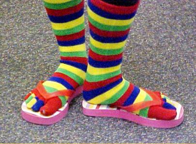 All Sinks Cherman: Fashionably German 'socken mit sandalen'