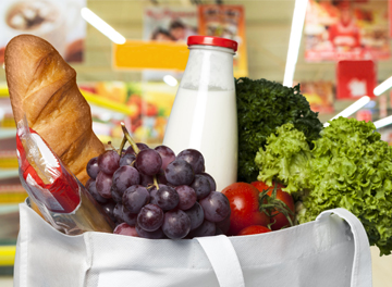 10 helpful food shopping tips for a healthier expat lifestyle