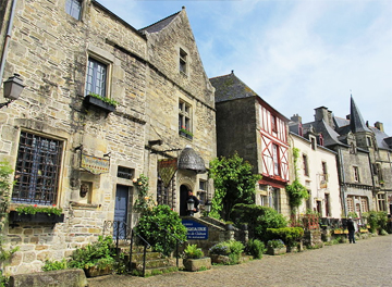 10 picturesque, off-the-beaten-path towns to explore in northern France