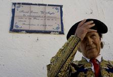 Bull lovers skewer British matador's memoirs