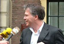 Dutch finance minister cashes in on world economic crisis