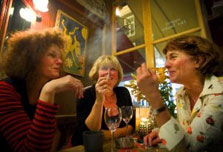 Dutch bar owners defiant over smoking ban