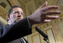 Rajoy shrugs off Aznar's attacks