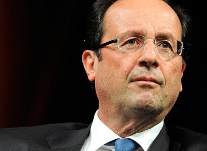 Hollande facing KO after far-right Euro triumph