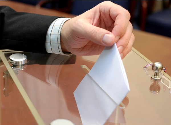 Should foreigners in Switzerland be allowed to vote?