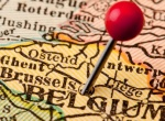 Coming to Belgium: Life among the lunanauts