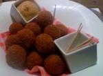 Bitterballenbruid: Top Dutch snack foods